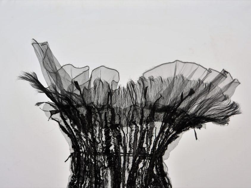 Monika Liné-Gölz - sculpture textile détail corset